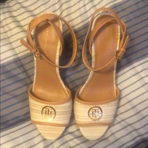 NWOT Tommy Hilfiger chunky heels